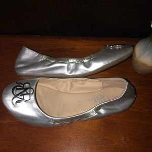 ROCK & REPUBLIC Silver Ballet Slippers Flats Shoes